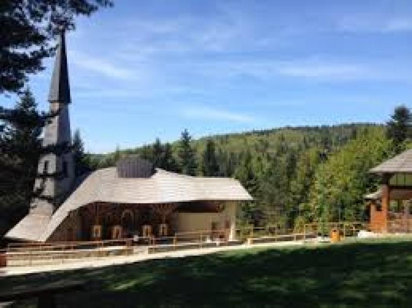 V Litmanovej si veriaci uctili sv. Charbela a ďalších svätých
