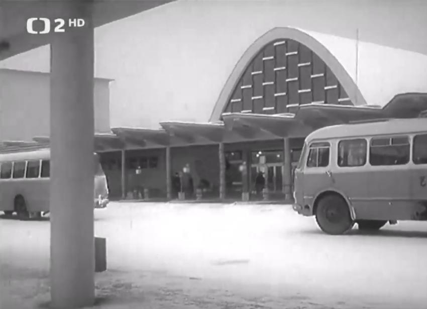 Autobusová stanica z roku 1965